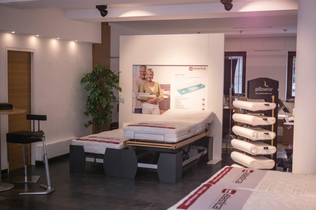 neues gesch ftslokal mit gr erer ausstellungsfl che in der stadt salzburg niederreiter. Black Bedroom Furniture Sets. Home Design Ideas